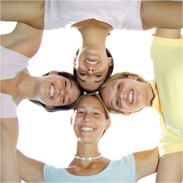 women-group-crosssquare